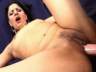 Parro indian fur pie pounding