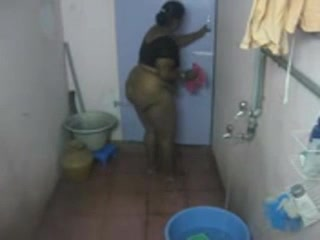 Indian Amateur Caught On Hidden Cam Taking Shower
